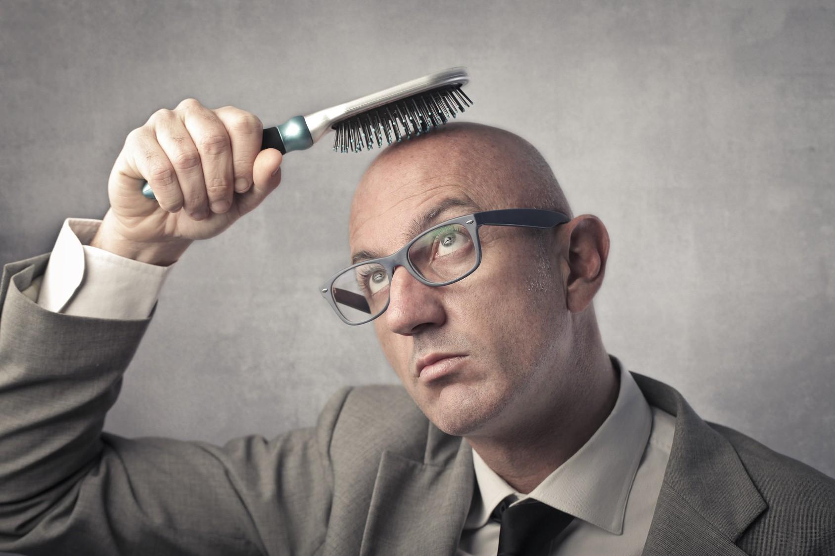 ریزش مو،دلایل و درمان ها