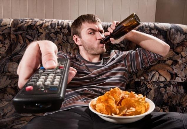 خوراکی هایی که هنگام تماشای تلوزیون می خوریم