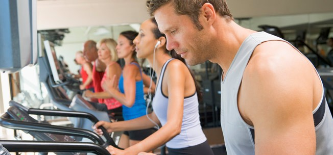 10 تمرین ورزشی که ممکن است در باشگاه به صورت نادرست انجام شوند