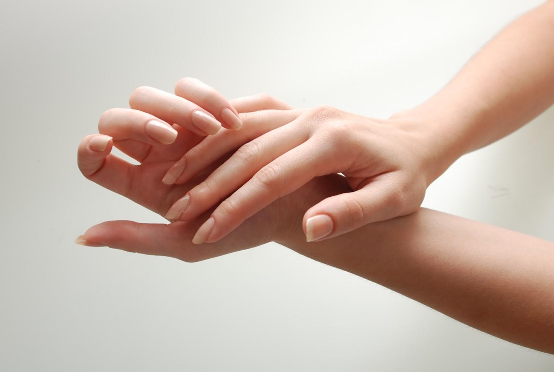 زیبایی پوست و ناخن: پوستی لطیف و ناخن های مستحکم داشته باشید
