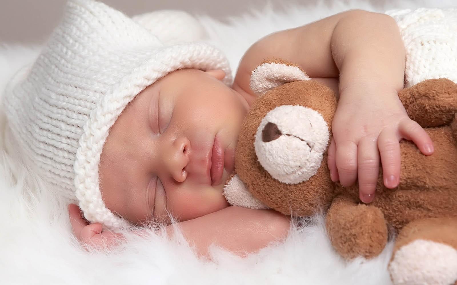 معایناتی که باید بر روی تمام نوزادان انجام شود