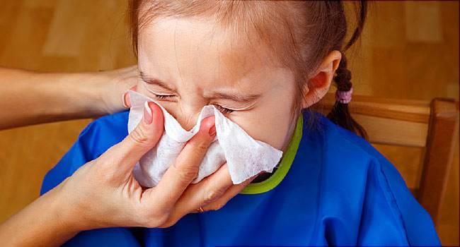 چگونه گرفتگی بینی کودک خود را درمان کنیم؟
