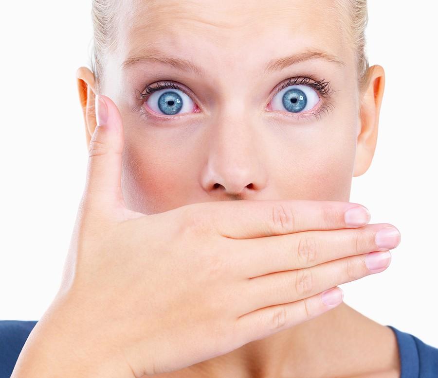 بوی بد دهان: عوامل و روش های درمان بوی بد دهان