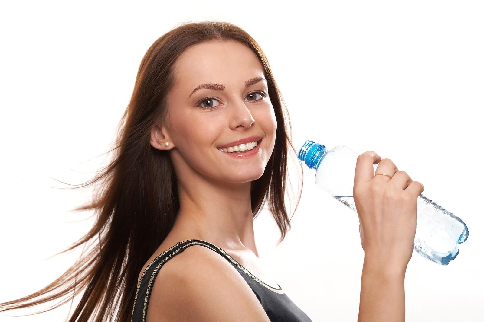 عجایب هفتگانه در مورد تاثیر نوشیدن آب بر سلامتی