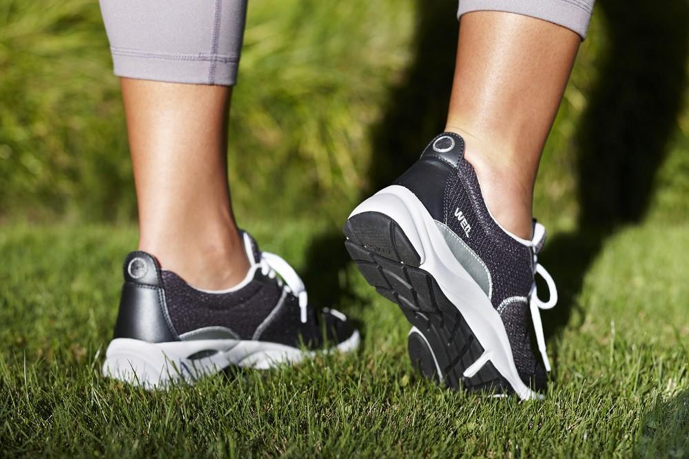 8 نکته که هنگام خرید کفش باید به یاد داشته باشید