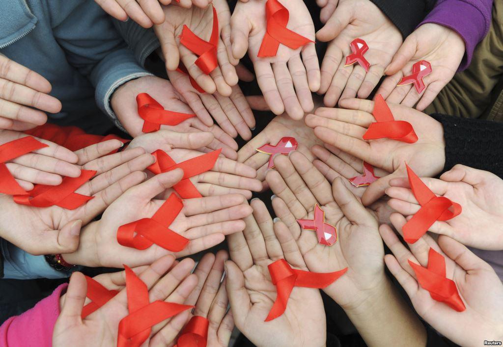 آشنایی با بیماری ایدز و علائم ایدز (HIV)