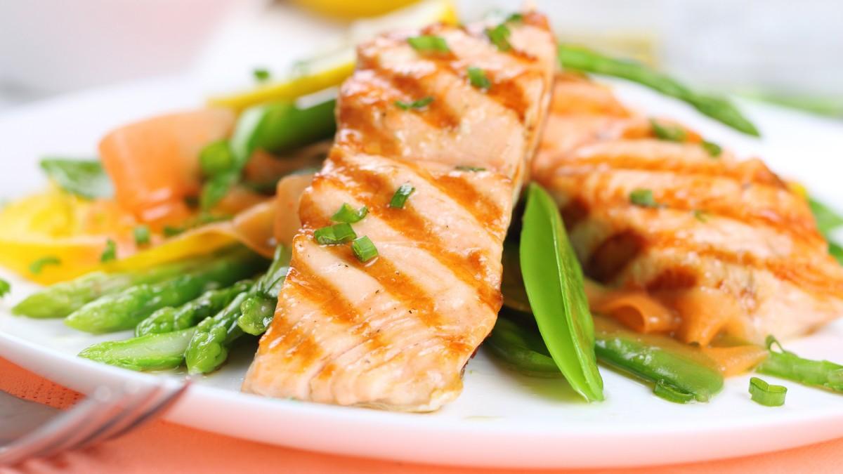 پنج ماده غذایی که باعث کاهش کلسترول خون می شوند
