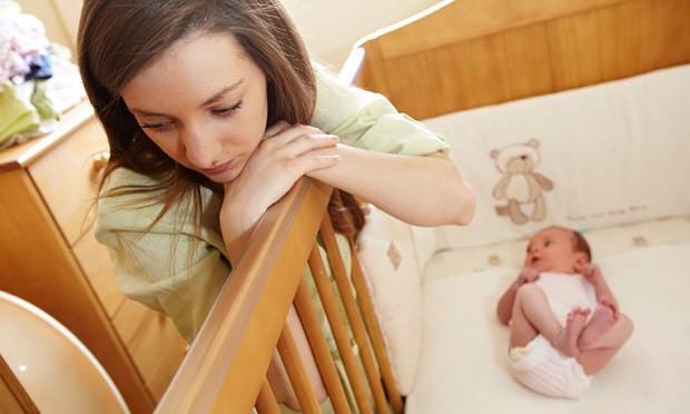 افسردگی شایع در میان دختران  با مادران مسن