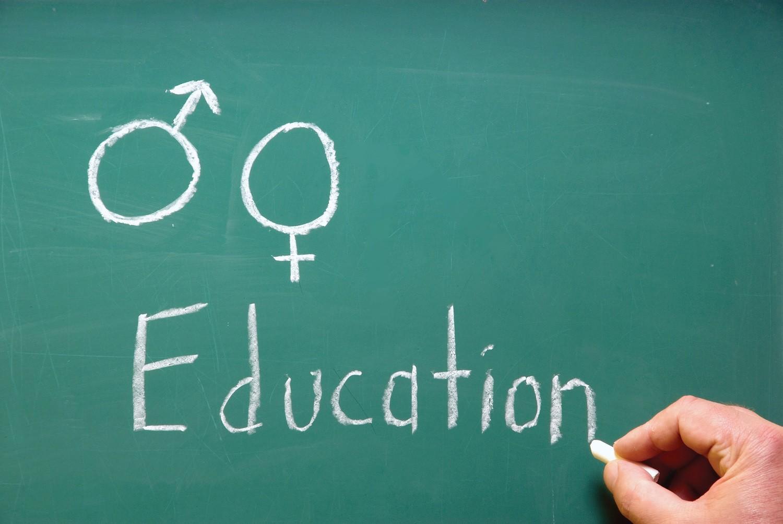 چگونه مسائل جنسی را به کودکان آموزش دهیم؟