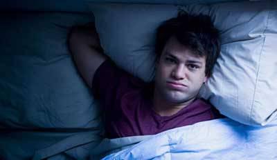چگونه بر بی نظمی زمان خواب و خستگی مزمن در دوران قرنطینه غلبه کنیم؟